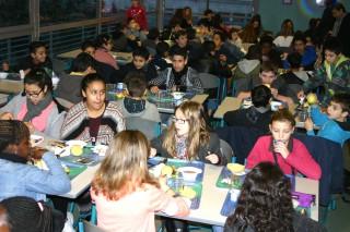 Petit déjeuner au collège Chaumié